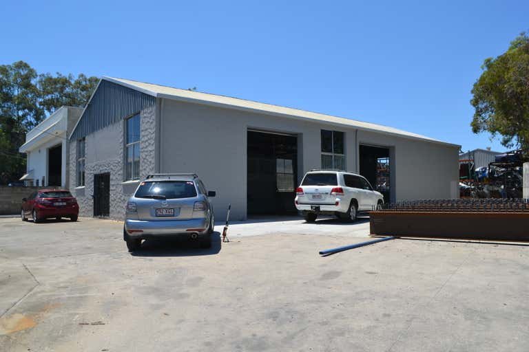 4 Cahill Ct Burleigh Heads QLD 4220 - Image 1