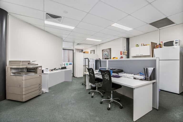 5B / 20 Brisbane Road Mooloolaba QLD 4557 - Image 3