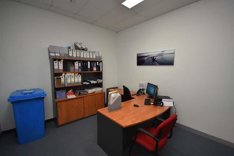 Suite 3/530-540 Swift Street Albury NSW 2640 - Image 3