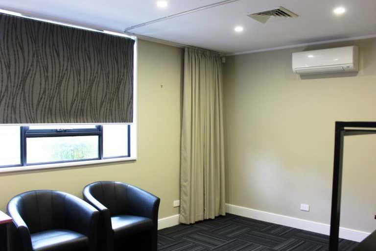 8/7 Scott Street East Toowoomba QLD 4350 - Image 3