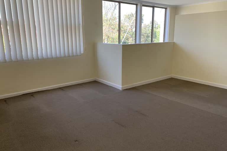 1st Floor/279 Napier Street Strathmore VIC 3041 - Image 2