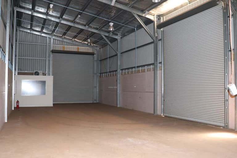 Unit 1   19 Croft Cres Harristown QLD 4350 - Image 4