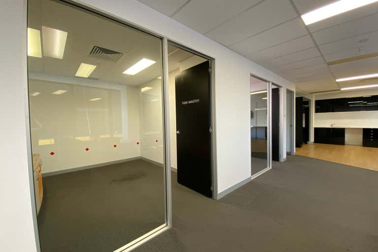30115/27 Garden Street Southport QLD 4215 - Image 2
