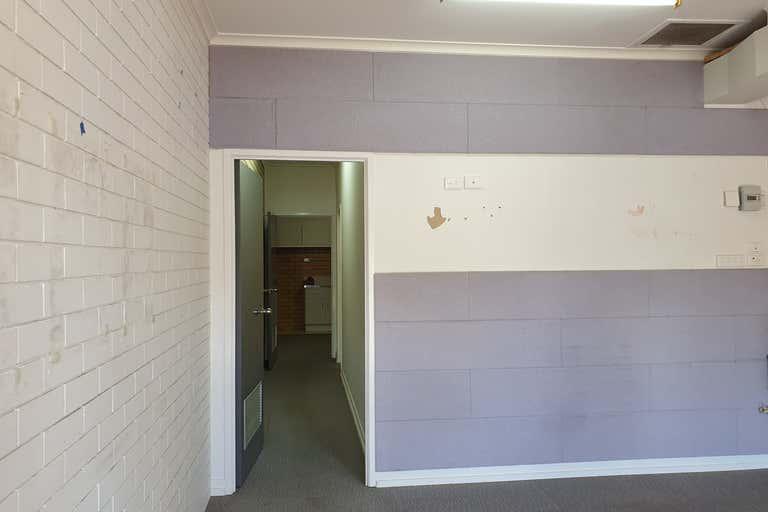 5/160 Bolsover Street Rockhampton City QLD 4700 - Image 3