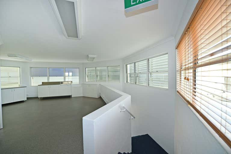 Suite 25/91 Poinciana Avenue Tewantin QLD 4565 - Image 3