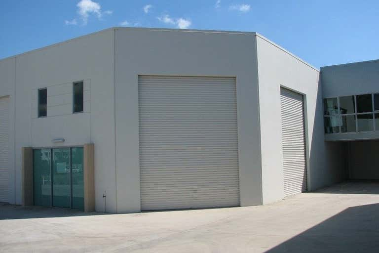 2/14 Fremantle Street Burleigh Heads QLD 4220 - Image 1