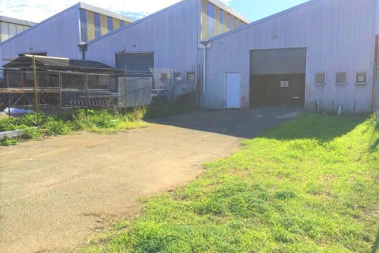 Unit 5 , 69  Division Street Welshpool WA 6106 - Image 3
