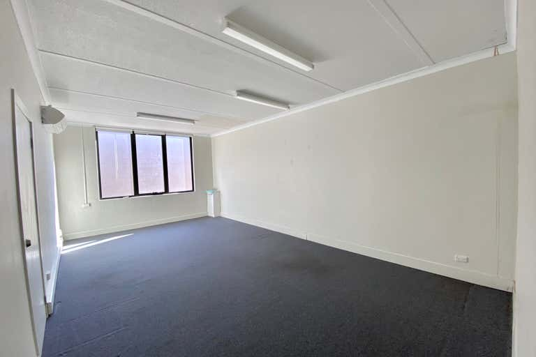 Suite 7/113 Scarborough Street Southport QLD 4215 - Image 4