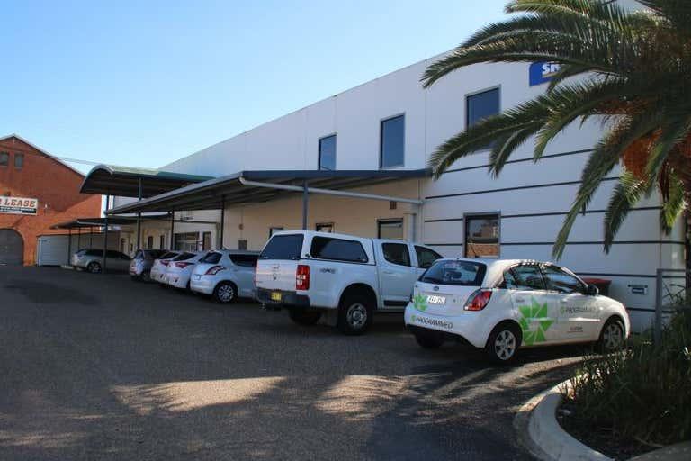 1/8 Fitzharding Street Wagga Wagga NSW 2650 - Image 3