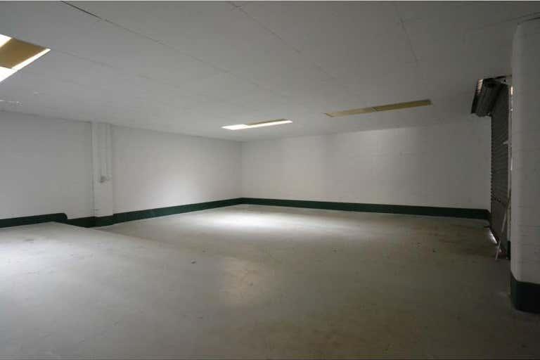 Unit 2/2 Stradbroke Street Rockville QLD 4350 - Image 4