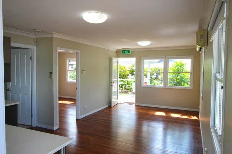 9 Myrtle Street Maleny QLD 4552 - Image 3