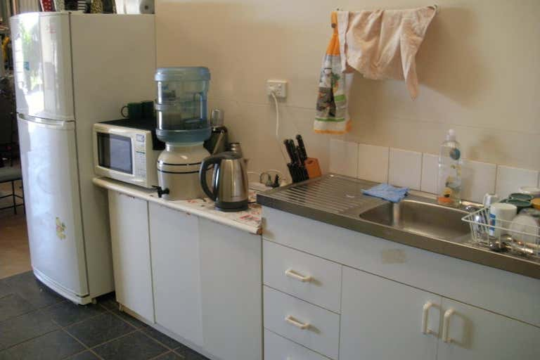 Unit 1/9 Progress Court Harlaxton QLD 4350 - Image 4