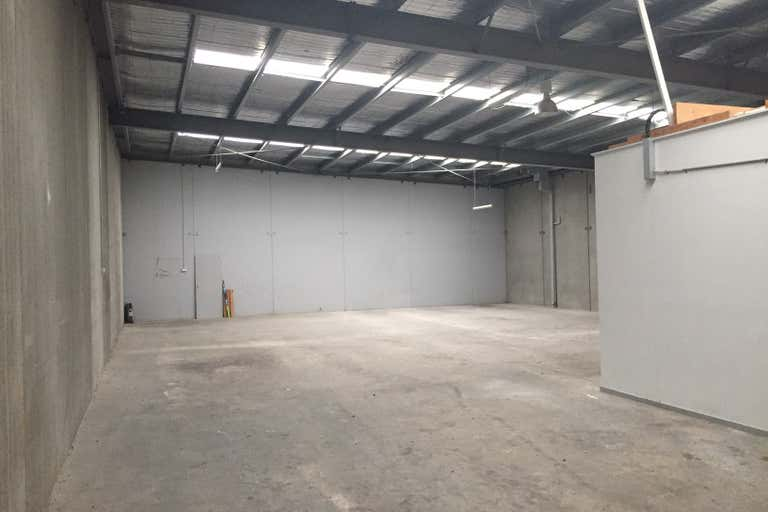 2/2135 Frankston Flinders Road Hastings VIC 3915 - Image 2