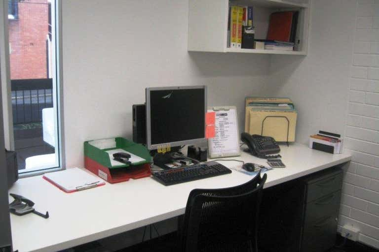 Suite 15, 220 Boundary Street Spring Hill QLD 4000 - Image 2