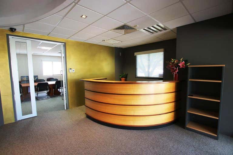 1 & 2/80 Queen Street Southport QLD 4215 - Image 2