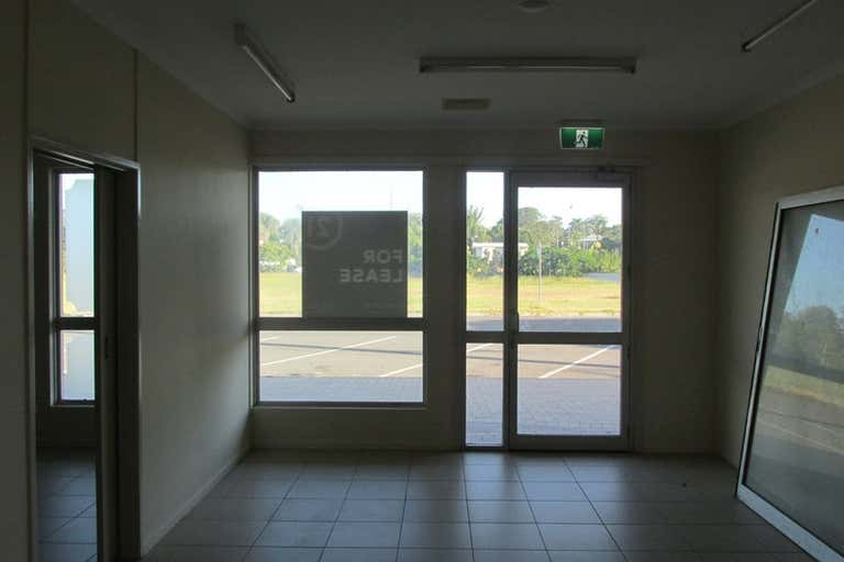 6 and 7/16 Bideford Street Torquay QLD 4655 - Image 4