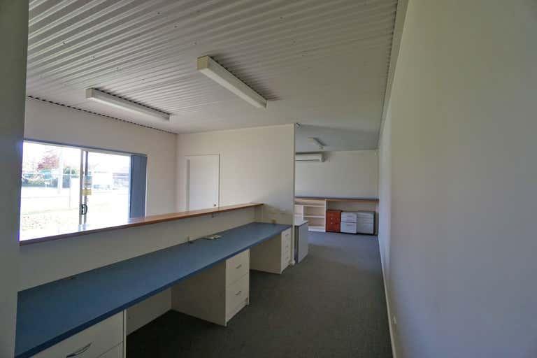 1/958 Carcoola Street North Albury NSW 2640 - Image 4