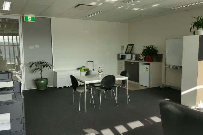 Suite 9, 574 Plummer Street Port Melbourne VIC 3207 - Image 3