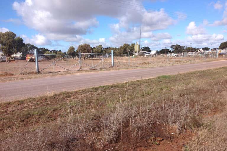 Section 427 Wake Road Cleve SA 5640 - Image 4