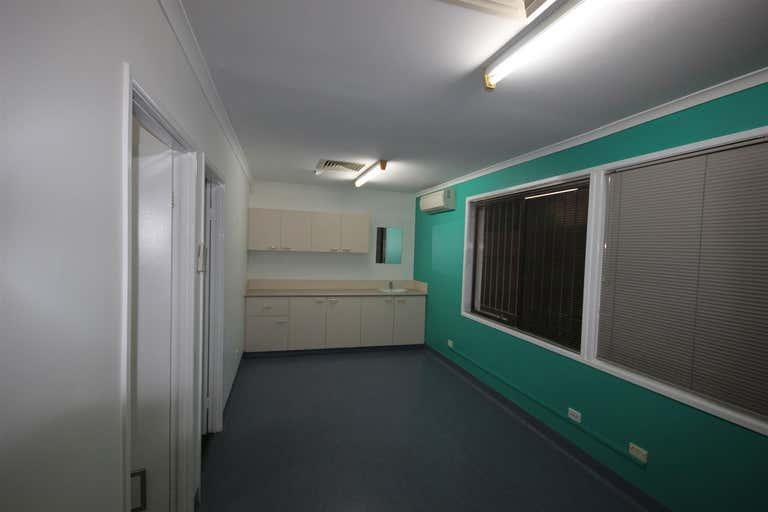 4/115 Nerang Street Southport QLD 4215 - Image 4