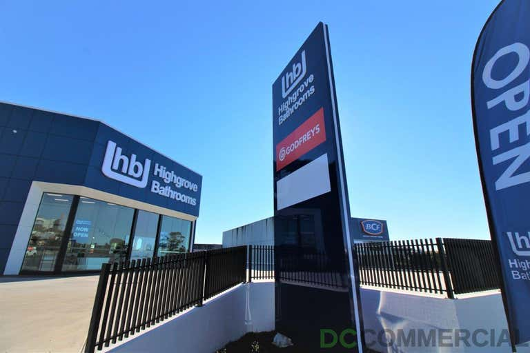 1/233-237 James Street Toowoomba City QLD 4350 - Image 2