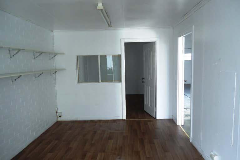 Unit 11 / 20 Milford Street East Victoria Park WA 6101 - Image 4