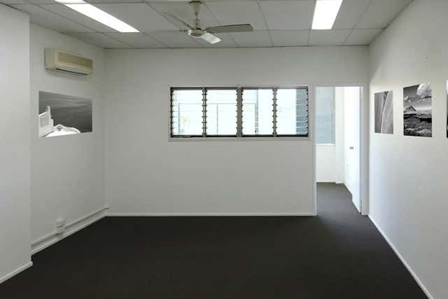 10/10 Grebe Street Peregian Beach QLD 4573 - Image 2
