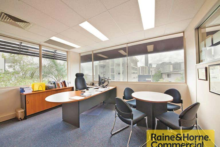 4/28 Fortescue Street Spring Hill QLD 4000 - Image 3
