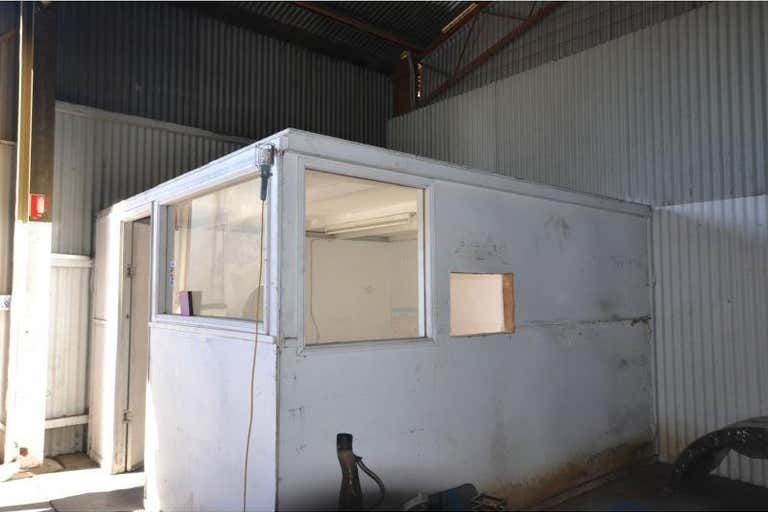 Shed 5 18b Goggs Street Toowoomba City QLD 4350 - Image 4