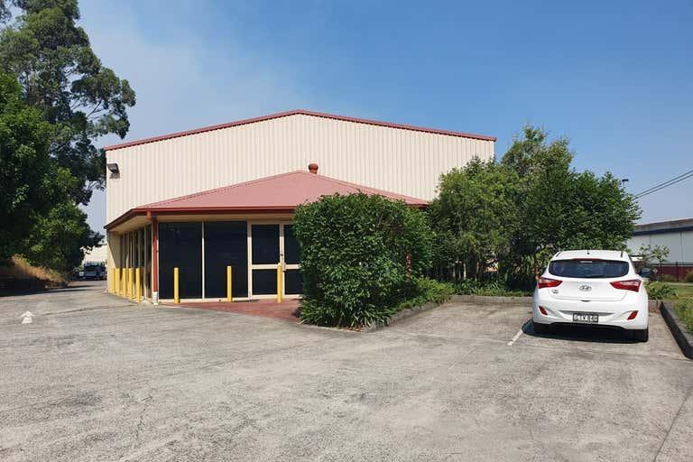Unit 2, 10 Stockyard Place West Gosford NSW 2250 - Image 2