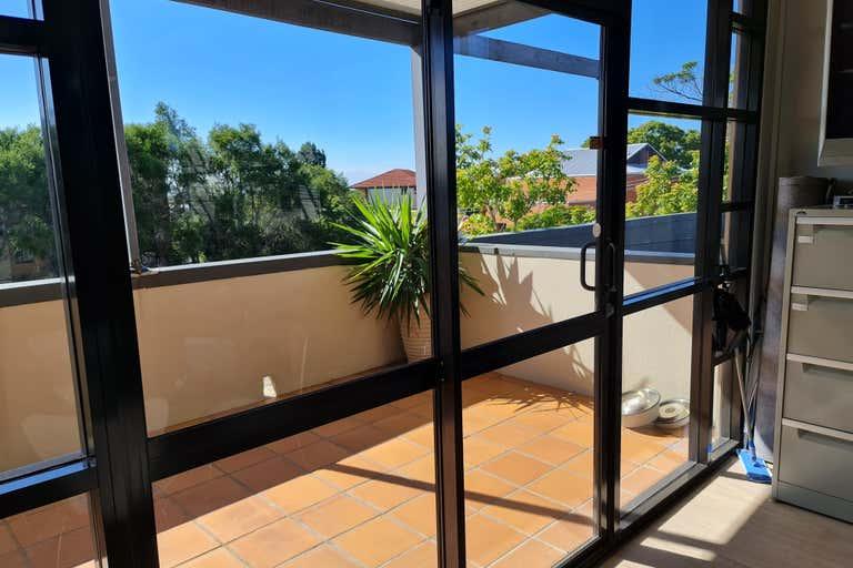 4/10 Vine Street Clayfield QLD 4011 - Image 3