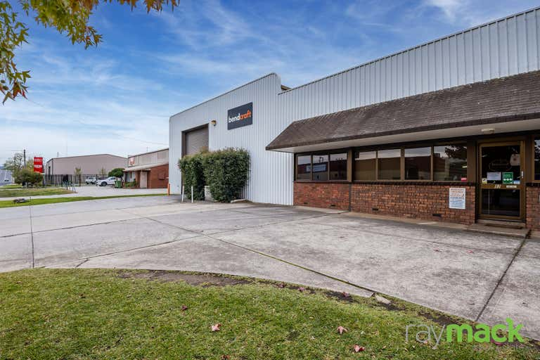 92 Fallon Street North Albury NSW 2640 - Image 1