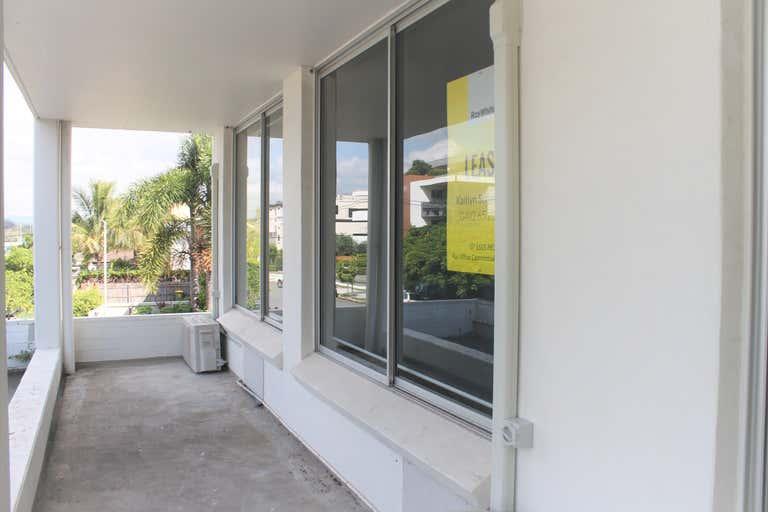 11C/20 Tedder Avenue Main Beach QLD 4217 - Image 4