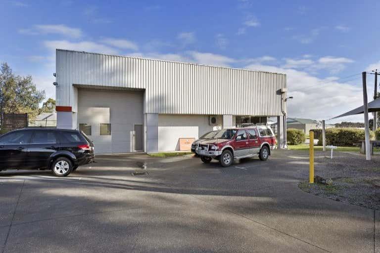 2/12 Moorefield Park Drive Wodonga VIC 3690 - Image 2