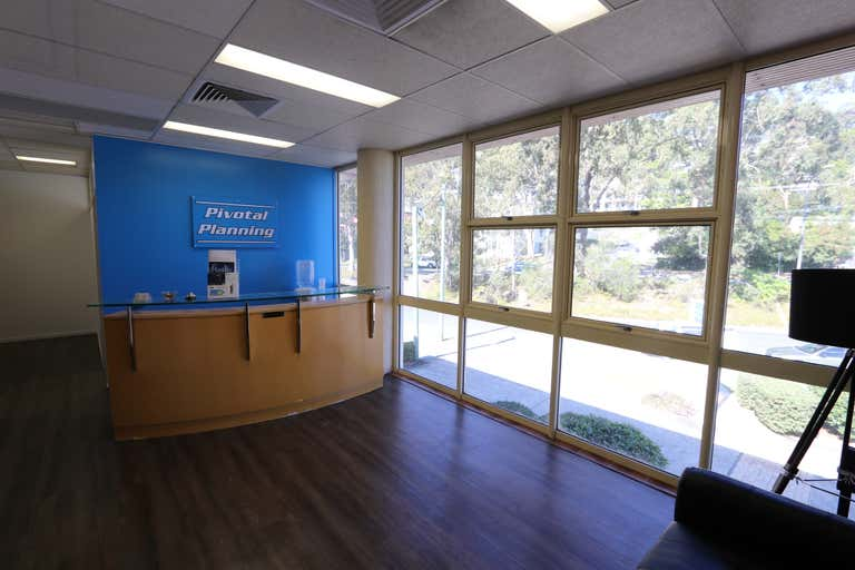 1/45-47 West Burleigh Rd Burleigh Heads QLD 4220 - Image 2