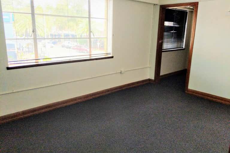 1st Floor/ 12A Bourke Street Tamworth NSW 2340 - Image 2