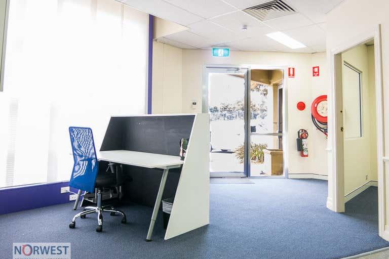 18 U/O, 10 Gladstone Road Castle Hill NSW 2154 - Image 2