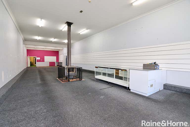 221 Russell Street Bathurst NSW 2795 - Image 2
