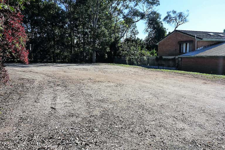 (L) Tenancy 3, Fenced Yard - 15 Merrigal Road Port Macquarie NSW 2444 - Image 3
