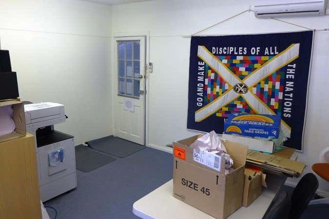 Suite 4, 9b Salisbury Avenue Blackburn VIC 3130 - Image 4