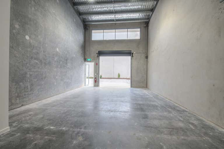 7/23 Venture Drive Noosaville QLD 4566 - Image 2