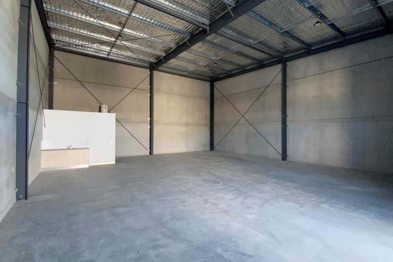 Unit 2, 103 Stenhouse Drive Cameron Park NSW 2285 - Image 2