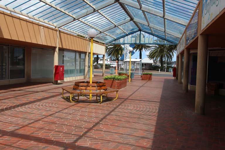 5/271 Esplanade Lakes Entrance VIC 3909 - Image 2