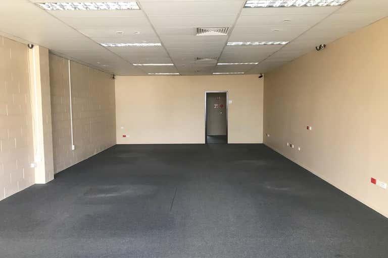 Unit 4/12 Tolmer Place Springwood QLD 4127 - Image 2