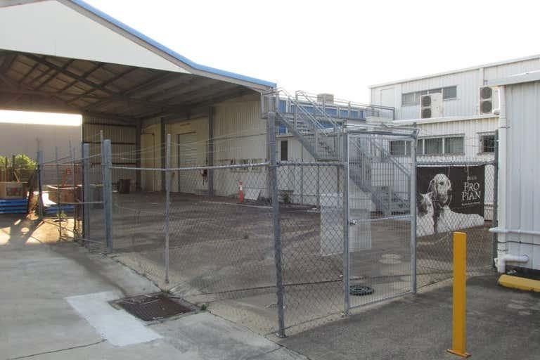 2/99 Main Street Pialba QLD 4655 - Image 3
