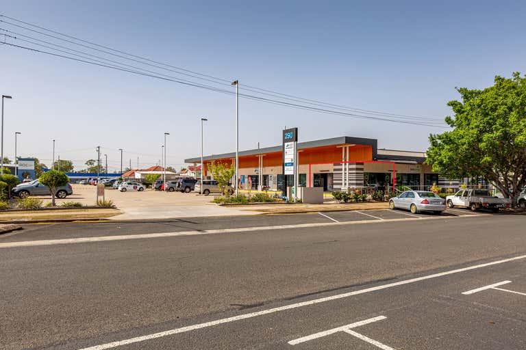7/290 Bourbong Street Bundaberg West QLD 4670 - Image 1