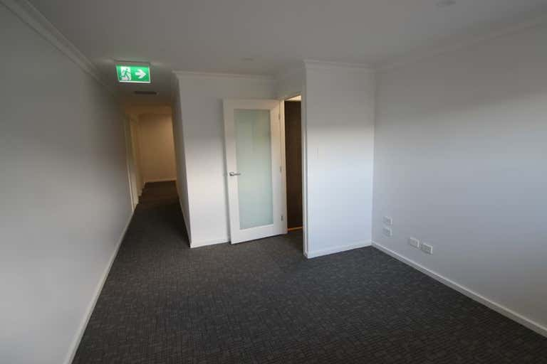 Upstairs 3/46 Montague Street North Wollongong NSW 2500 - Image 2