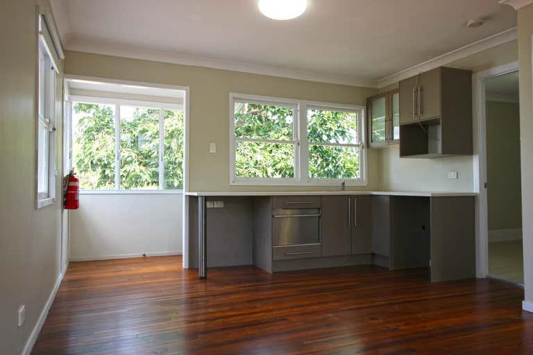 9 Myrtle Street Maleny QLD 4552 - Image 4