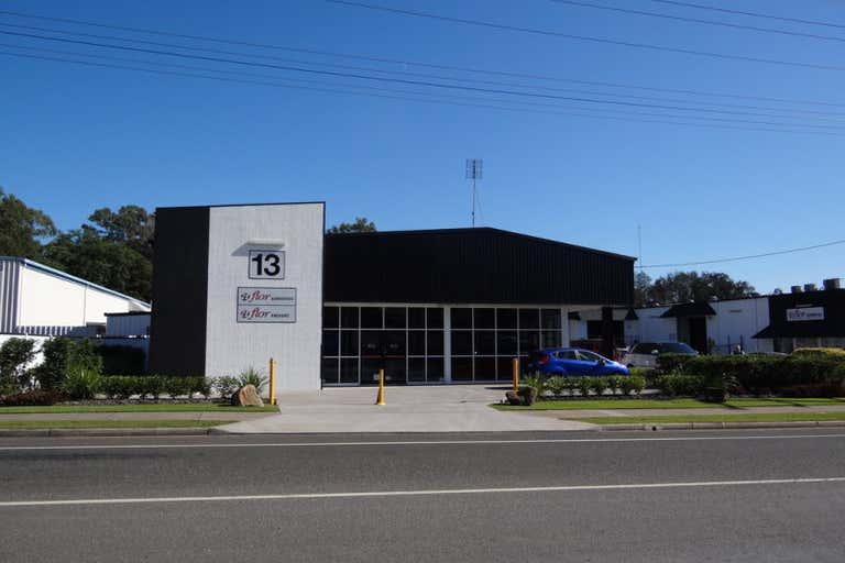 1/13-15 Fishermans Road Kuluin QLD 4558 - Image 1