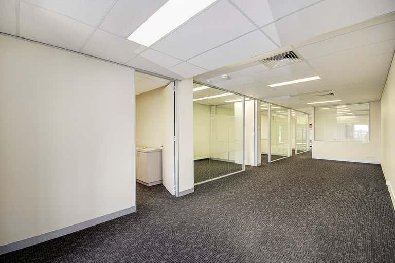 Office 18/240 Pakington Street Geelong West VIC 3218 - Image 3